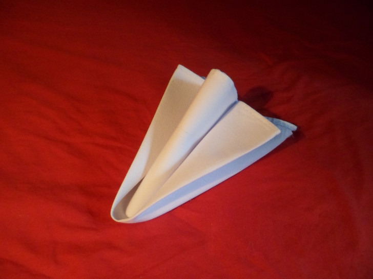 Arrow Head Napkin Fold