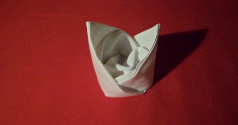 Napkin Fold Bishops Hat