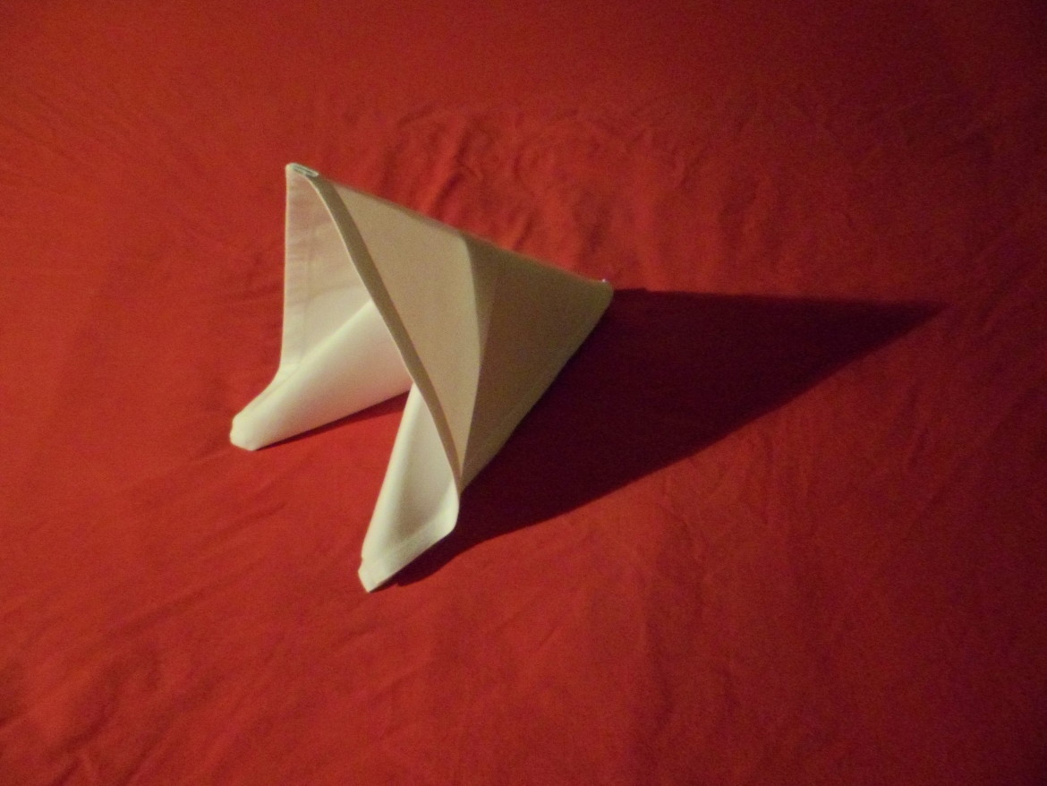 how to fold napkins the slide.